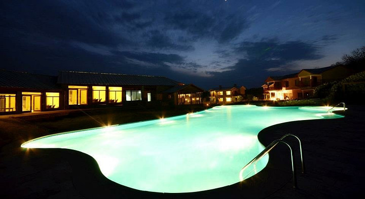 aahana luxury resort in jim corbett national park